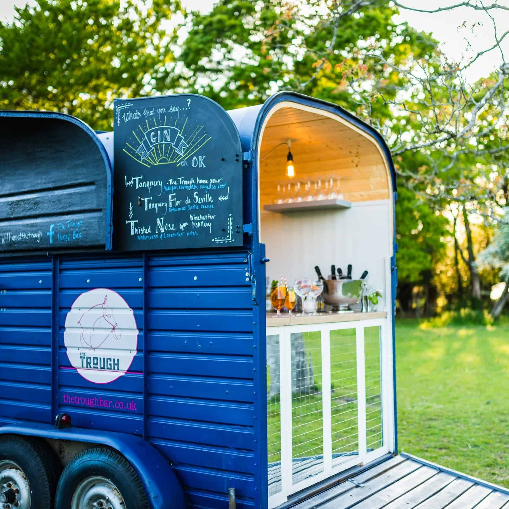 The Trough Horsebox Bar - New Forest